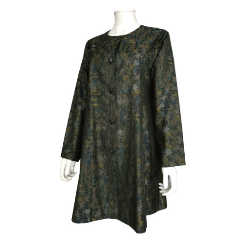 着物からリメイクしたフレアラインコート