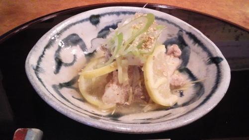 蒸し料理です。豚バラ肉のレモン蒸し!焼酎のお供に。