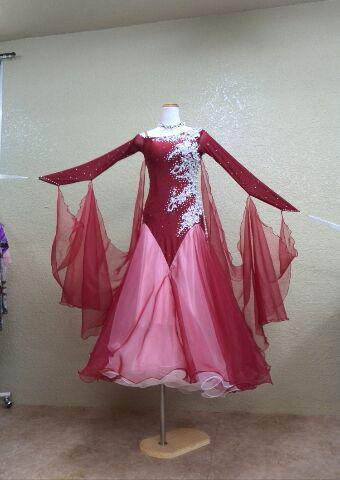 クリスマス!赤のドレス!パーティーへ!
