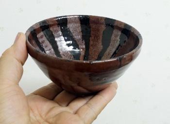 天目茶碗がマイ飯茶碗です。昔風に分厚くつくりました。