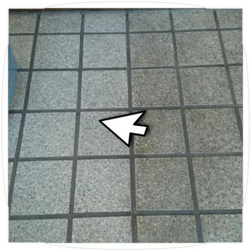 藤沢市で玄関床のお掃除