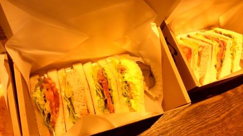 サンドイッチをミックスでお届け
