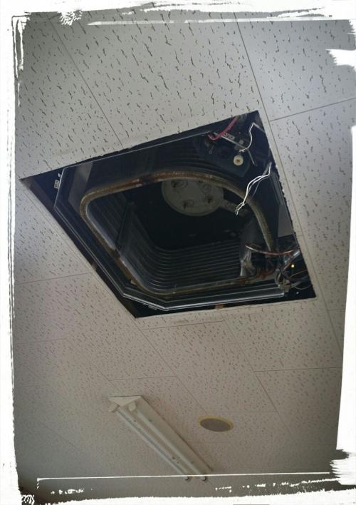 東久留米市 天井のエアコンお掃除