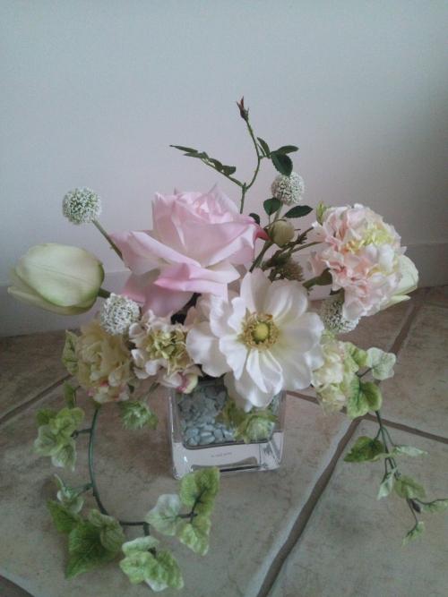 ガラス花器へのアレンジメント