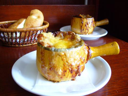 Chez AZUMA 特製オニオングラタンスープ