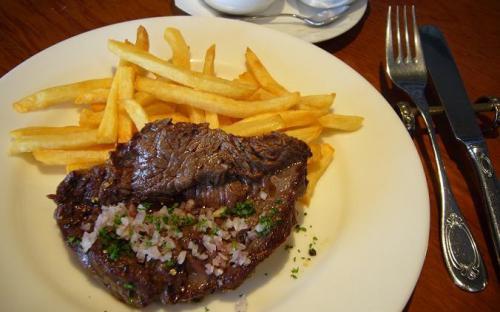 金曜ランチは牛バベットステーキ ポテトフライ添え!