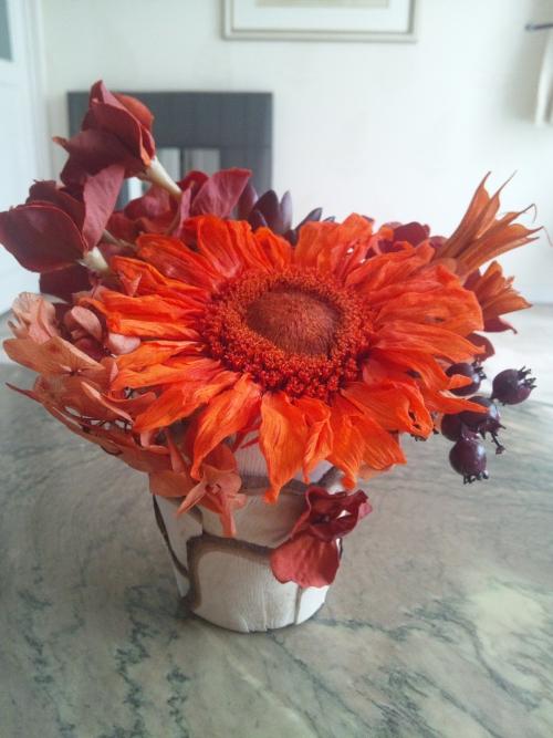 オレンジ向日葵のアレンジ