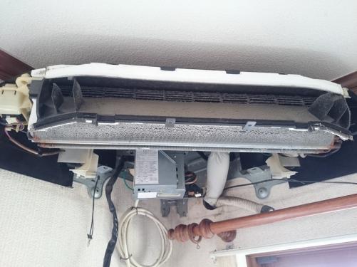 扇型コーナーエアコン(分解高圧クリーニング)
