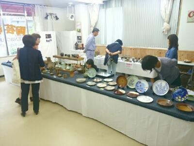 ただ今開催中!陶芸教室国立けんぼう窯の22回目の作品展です。