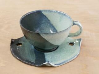 コーヒーカップのソーサーは、丸くなくても良いですね。