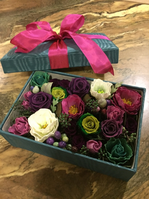 蝋花、カルトナージュ&プリザーブドのコラボ