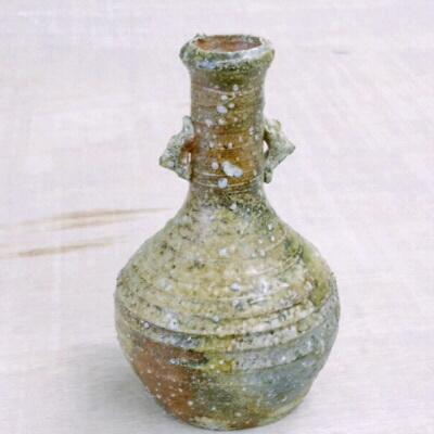 古信楽粘土で作って登り窯で焼成すると、、。