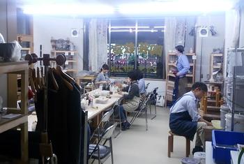 陶芸教室 国立けんぼう窯、夜の部風景です。