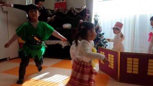 2015 ファミリー託児所 クリスマス発表会