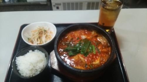 ランチメニューのキムチ鍋定食です!
