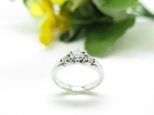 ジュエリーリフォーム エンゲージリング 婚約指輪 ダイヤ足し