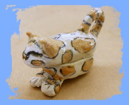 陶芸教室 東京 国立けんぼう窯 Oさん作、かわいいネコの置物