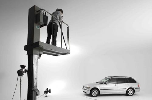 スタジオマン、従業員、大募集。車好き、写真好き来たれ