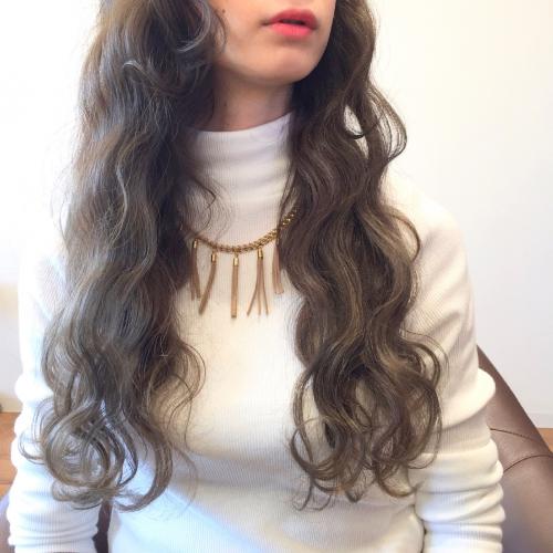 ヘアカラー オーシャンカラー ロングヘア 髪型