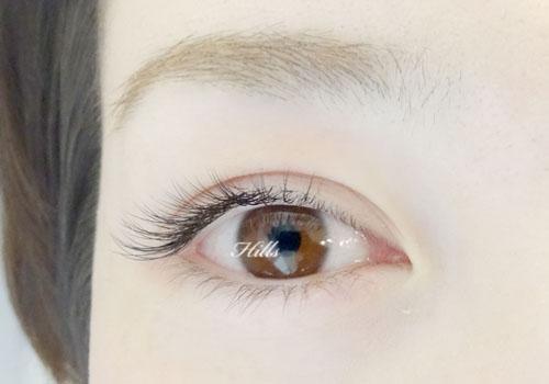 まつエクのデザインで大人っぽい目の印象へチェンジ♡