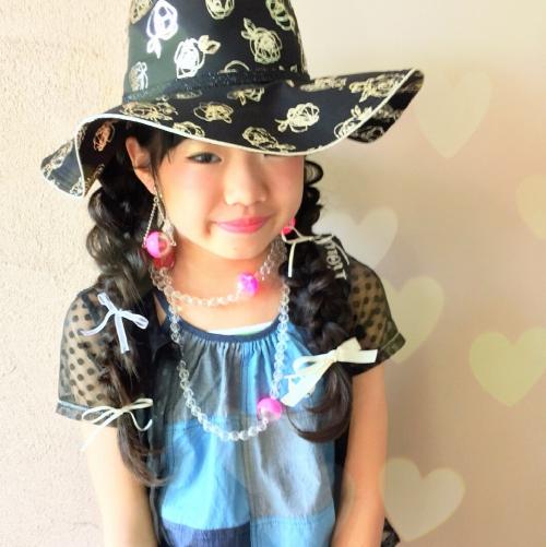 ヘアアレンジ 帽子アレンジ 四つ編み キッズファッション