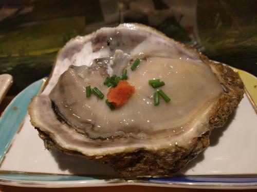 夜の浦和で岩牡蠣を…