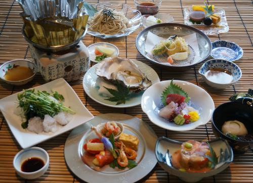 すっぽん、岩牡蠣...限定季節のコース「涼味薫る膳」のご案内