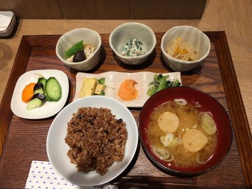 今日の「ちとふなごはん  玄」のお昼の定食