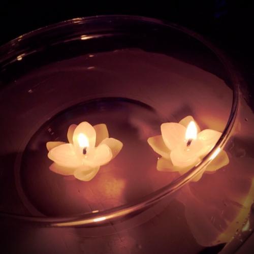 アロマの香りと仄かな灯り