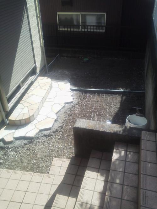 神奈川区片倉でコンクリート工事。