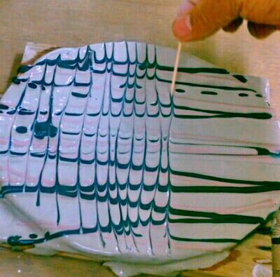 陶芸教室 東京国立けんぼう窯。スリップウエアーの皿つくり。