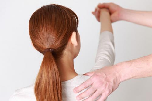 肩の症状を悪化させる間違ったアプローチ
