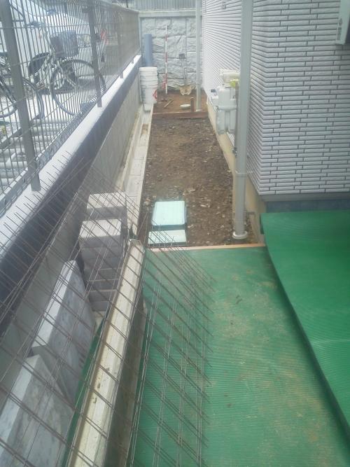 川崎市宮前区野川でデッキとコンクリート工事。