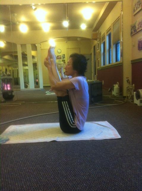Upward Stretching/上向きのストレッチポーズ