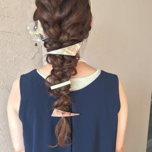 アレンジヘア ダウンスタイル お呼ばれヘア アクセサリー