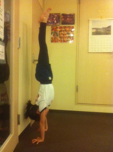 Kid's Yoga/Hand stand/キッズヨガ 倒立