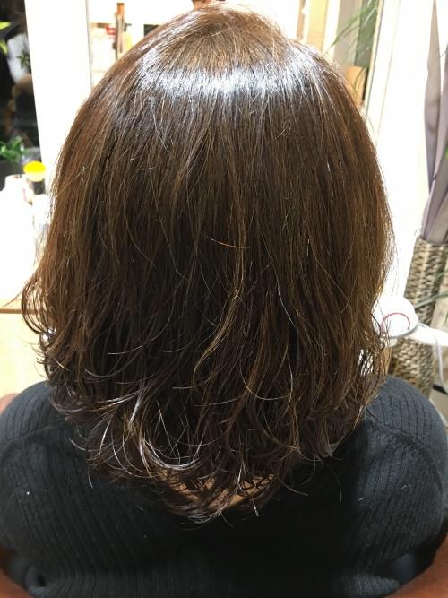 ツヤのあるヘアスタイルおすすめ調布美容室