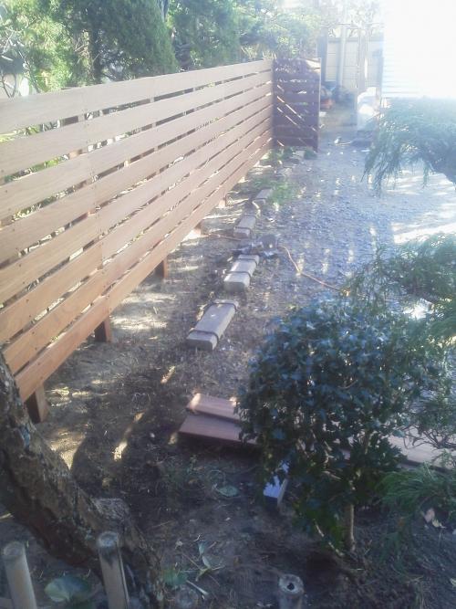 藤沢市鵠沼でウッドフェンス工事。