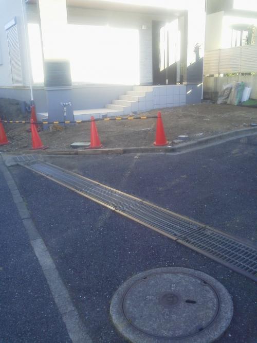 横浜市港北区で外構工事。