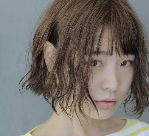 【イメチェン2017春】パーマ動きのある髪に