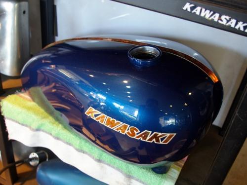 W400 タンク塗装