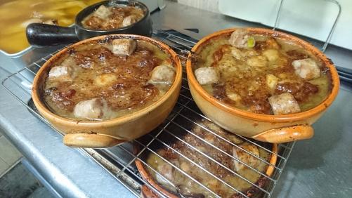 今年も大好評、南仏の郷土料理「カッスレー」