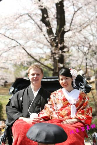 隅田公園を人力車に乗ってのお花見は如何!