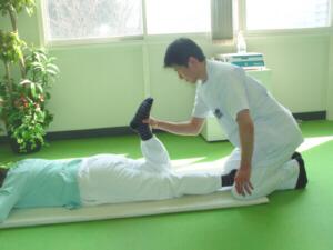 膝の痛みの患者様が急増しています 症状の改善には