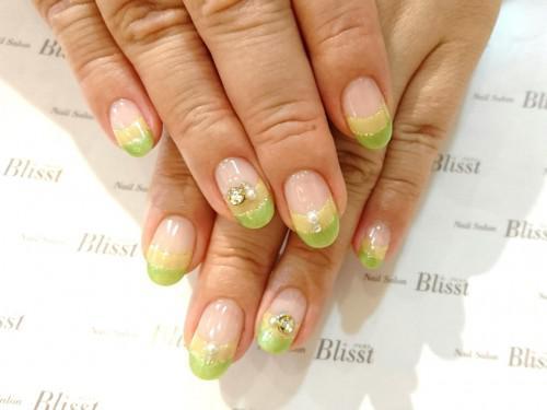 春色グリーンフレンチ・桜色花柄ネイル・大人ラメフレンチ