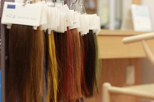 【イノセントヘア】髪色で印象を変えれます
