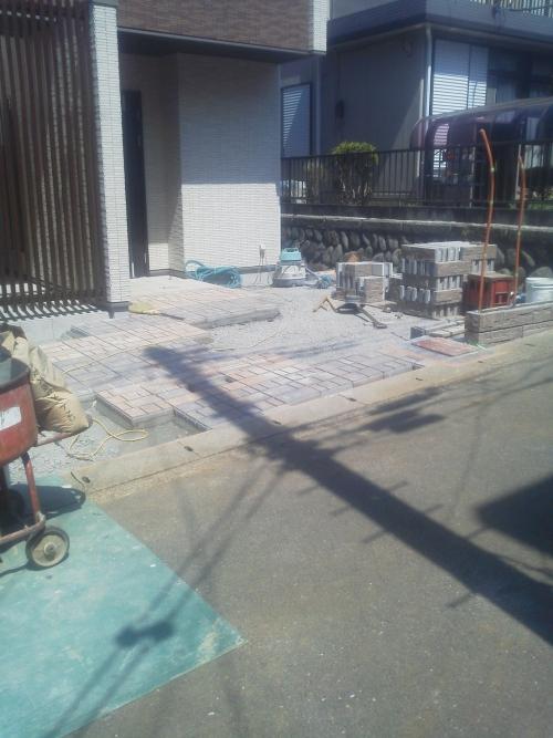 旭区で外構工事。