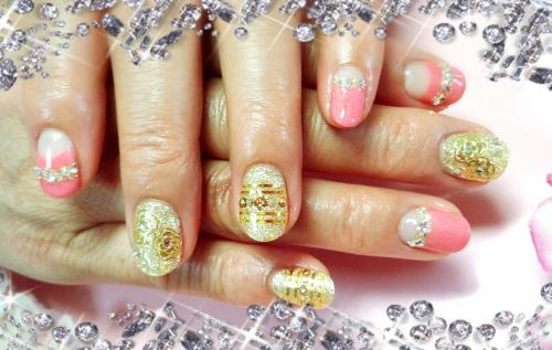 ゴールドラメ×薔薇×ストーン&ピンクネイル
