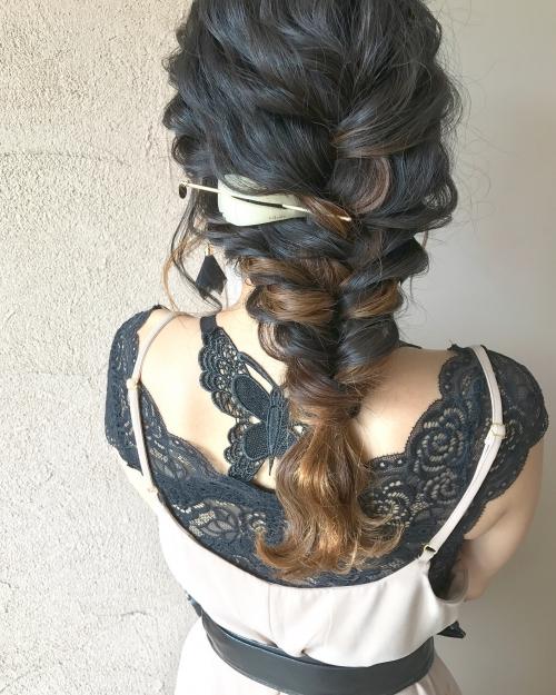 結婚式 お呼ばれヘア 三つ編みアレンジ シルソワ