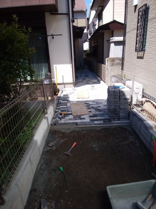 相模原市南区で外構工事。